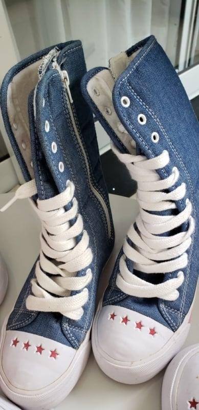 Modelo diferente de all star jeans