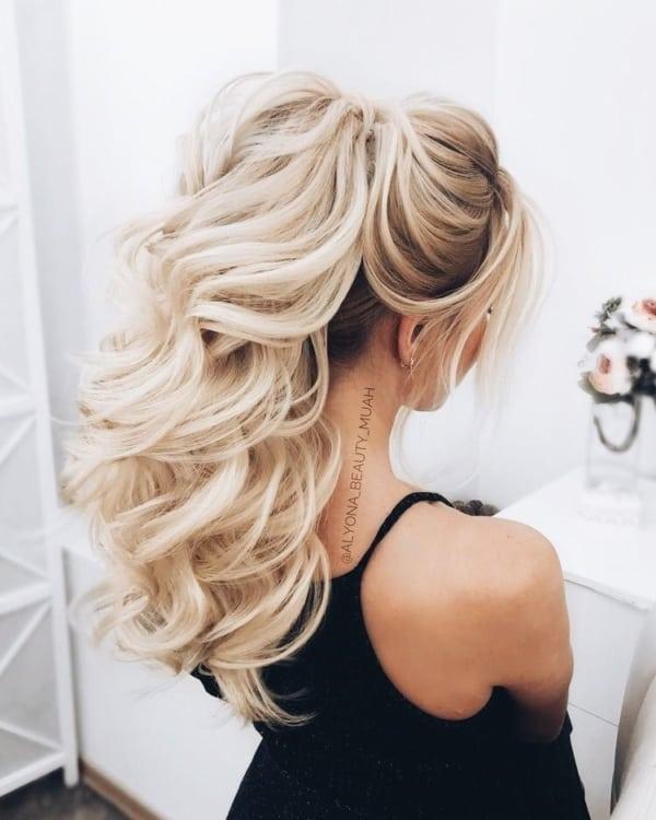 Penteados para madrinhas em cabelos longos 26