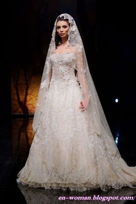 noiva com véu amantilhado bordado