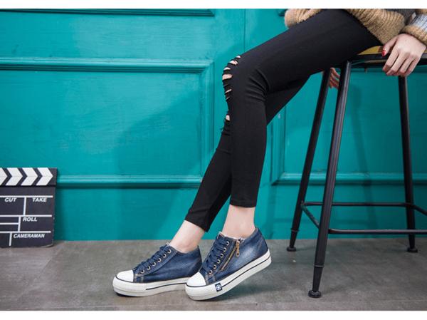 Tênis com zíper jeans