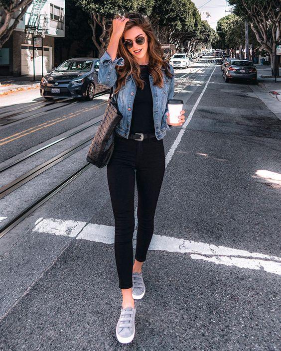 Tênis jeans cinza com calça preta
