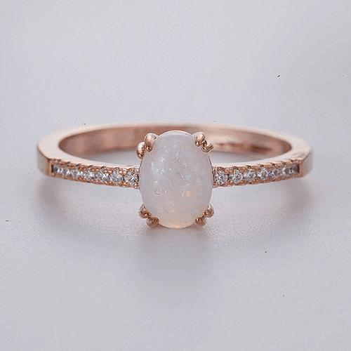 Tipo de anel solitário com ouro rosé