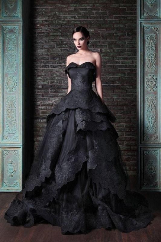 Vestido de noiva tomara que caia preto