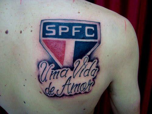 ideia de tatuagem São Paulo nas costas