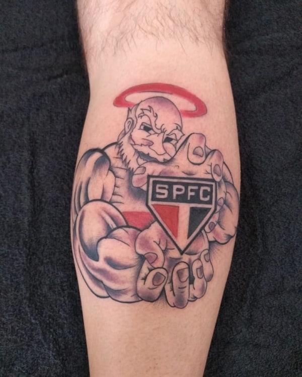 tatuagem São Paulo na perna