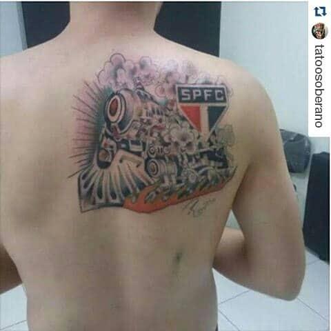 tatuagem São Paulo nas costas tematica