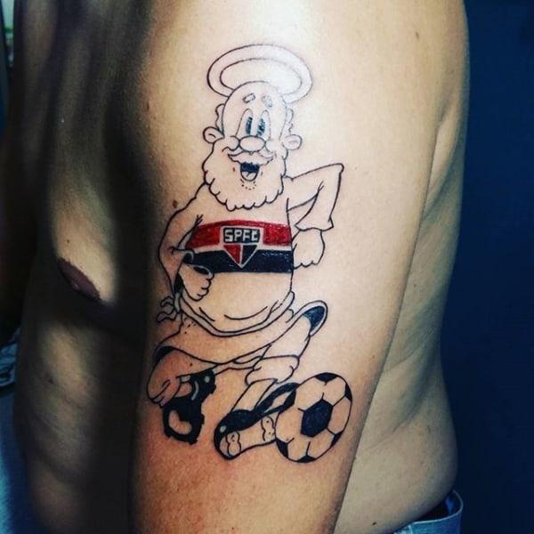 tatuagem São Paulo no braço mascote