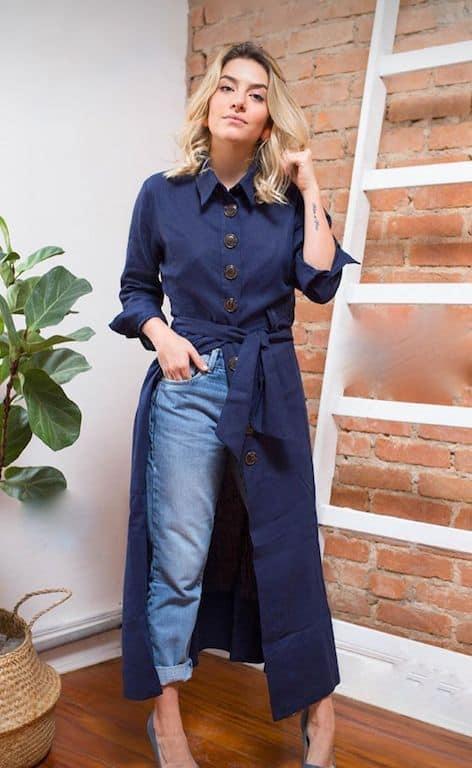 look com chemise longa e calça jeans