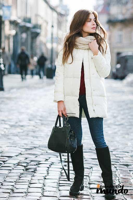 look com jaqueta puffer branca e bota