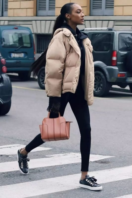 como usar jaqueta feminina bege