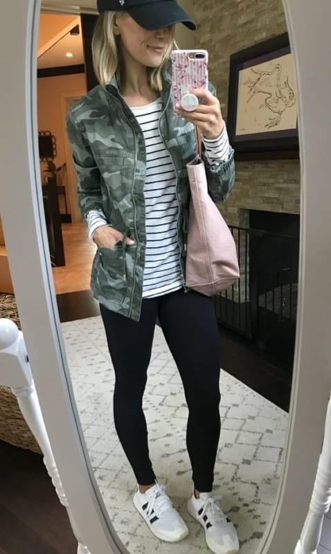 look esportivo com legging preta e jaqueta