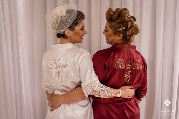 robe de noiva personalizado com iniciais do casal