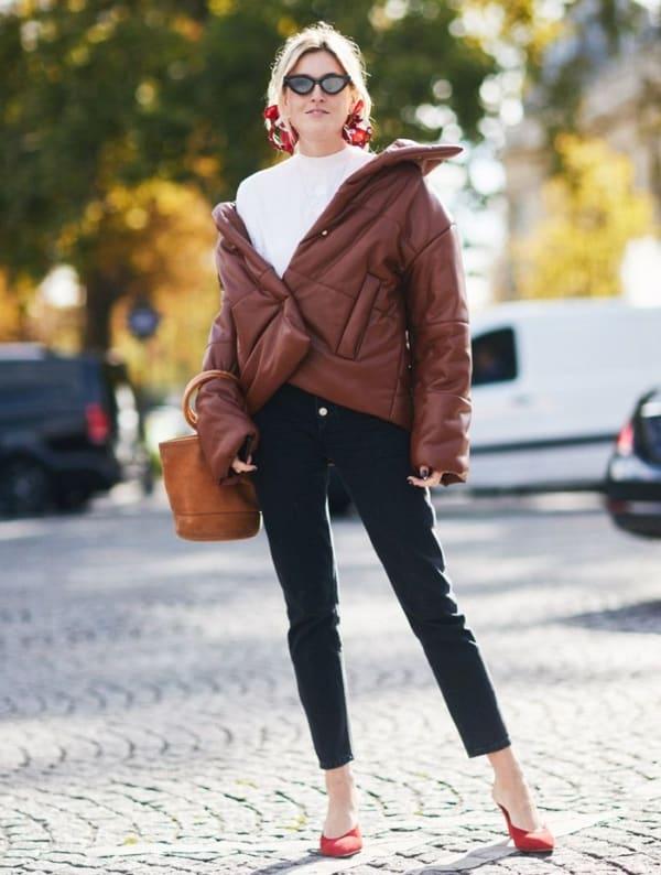 look feminino com jaqueta de inverno marrom