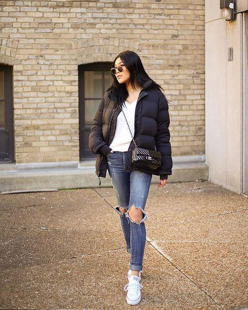 como usar jaqueta puffer preta com calça jeans