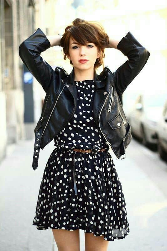 look jaqueta de couro com vestido