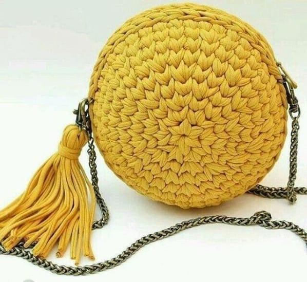 bolsa artesanal redonda e amarela