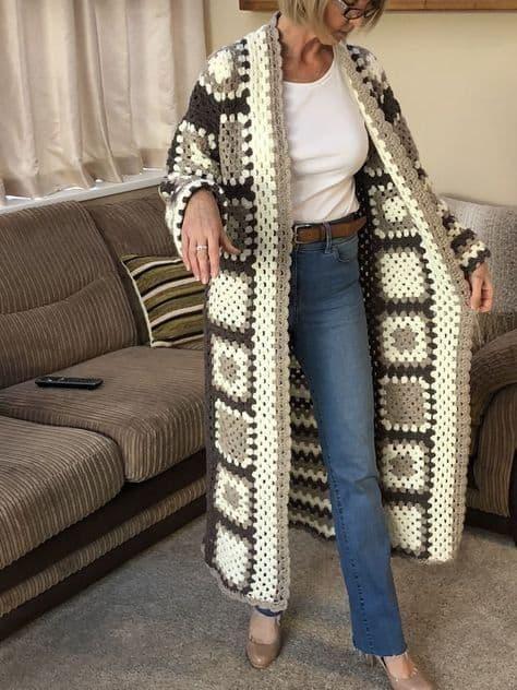 casaco feminino longo de crochê square