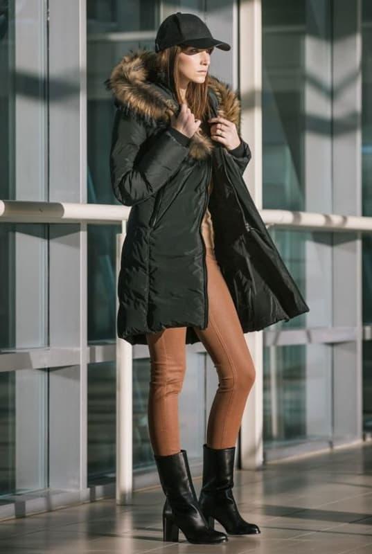 look de inverno com jaqueta puffer preta longa
