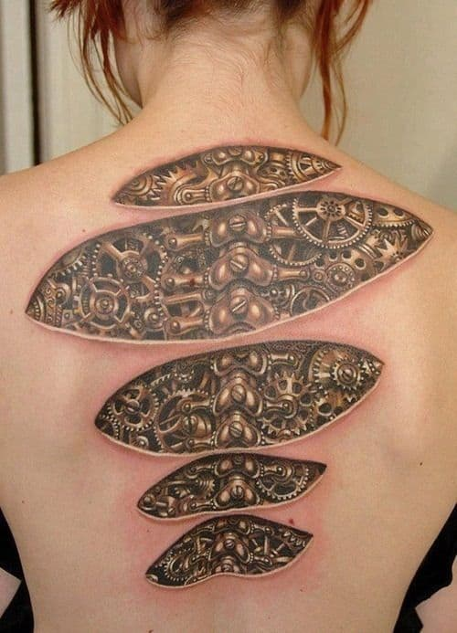 tattoo feminina nas costas