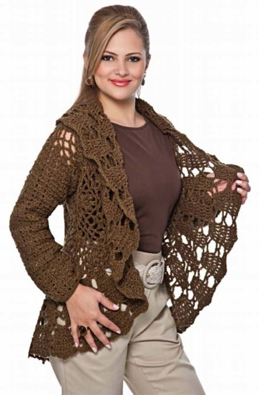 casaco circular de crochê marrom