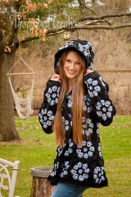 casaco feminino de crochê com capuz