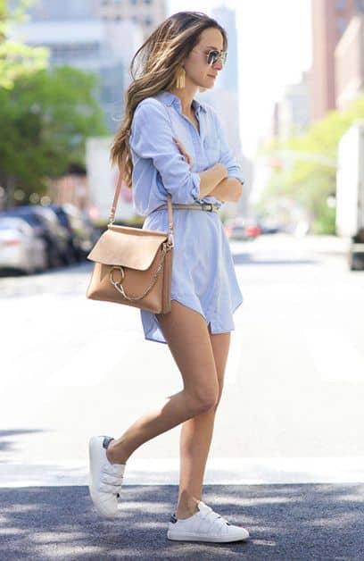 look com chemise social e tênis branco