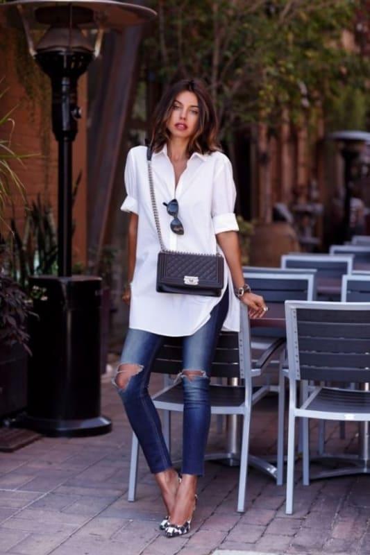 look com calça jeans e vestido camisa branca