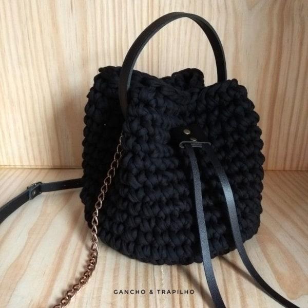 bolsa saco preta de fio de malha