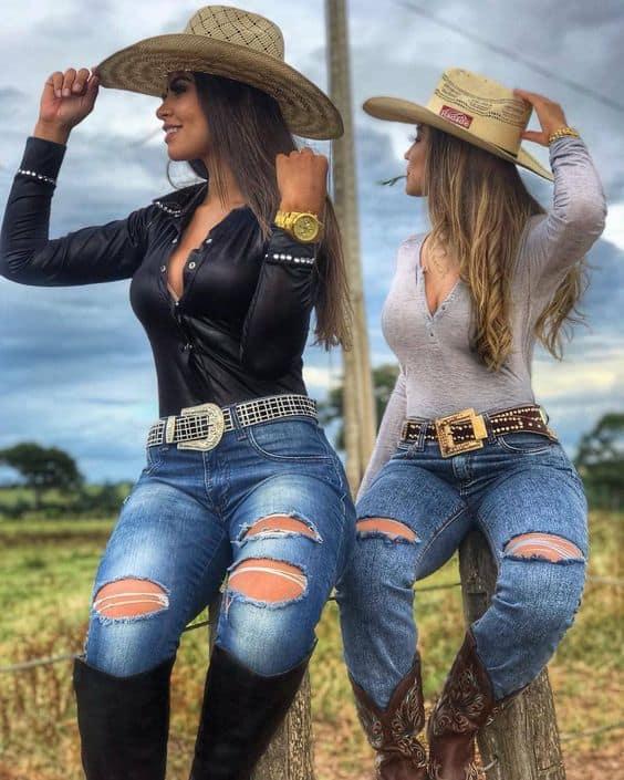Belíssimos looks para show sertanejo com chapéus