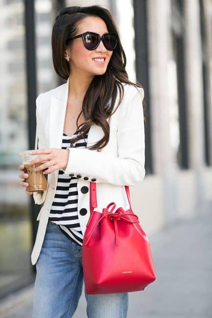 Blazer e bolsa saco vermelha