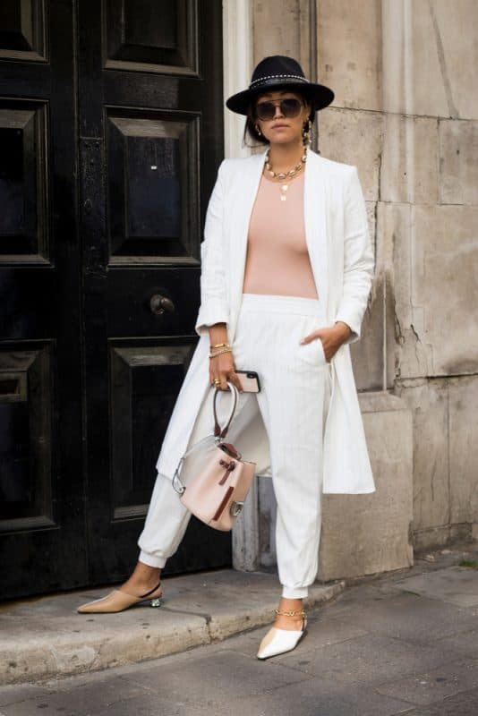 Blazer e calça cargo branca