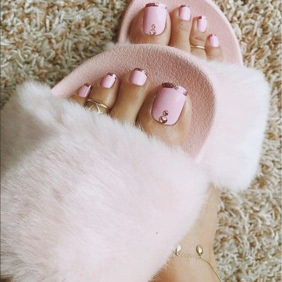 Francesinha brilhante para os pés
