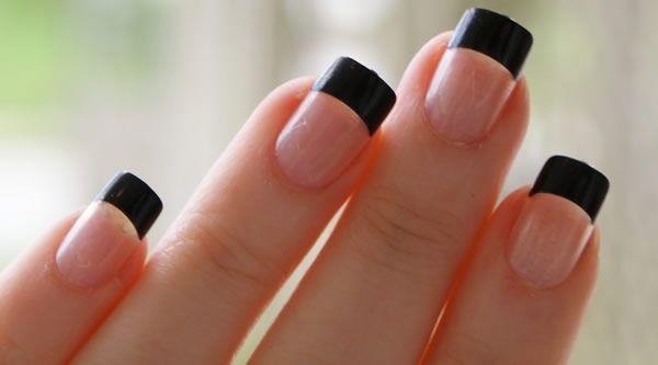 Francesinha decorada com cor preta