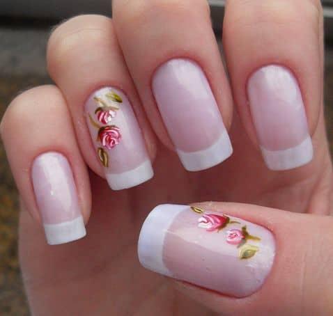 unha com flor pintada