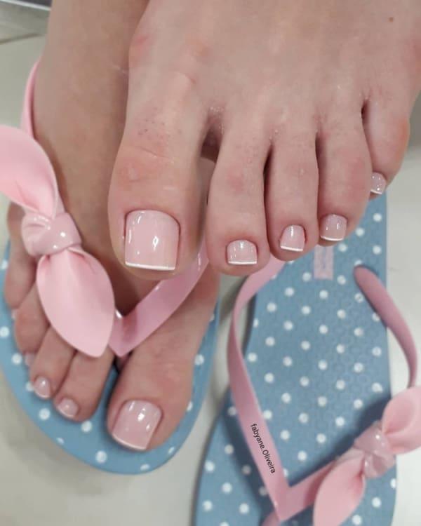 Francesinha decorada de modo tradicional para os pés