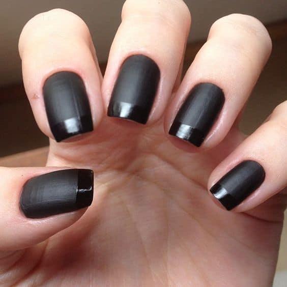 Francesinha decorada em tons de preto