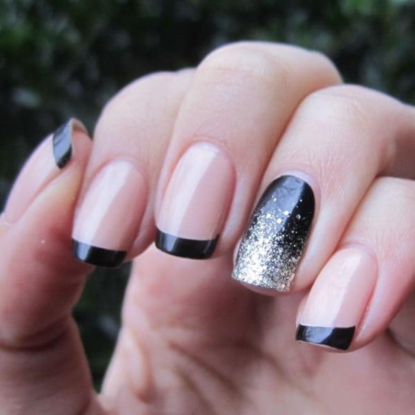 Francesinha preta decorada com cor cor clara e brilho