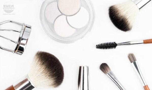 Instrumentos de maquiagem 17