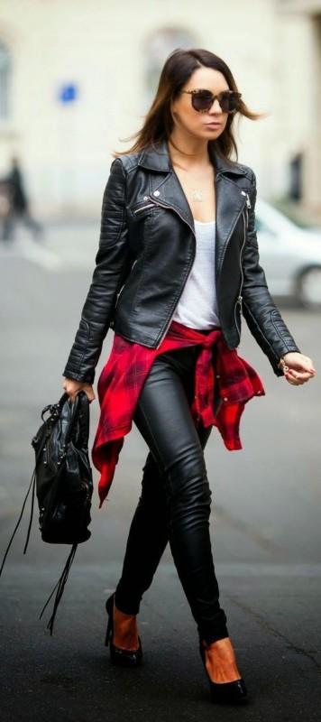 Jaqueta feminina preta com camisa de flanela