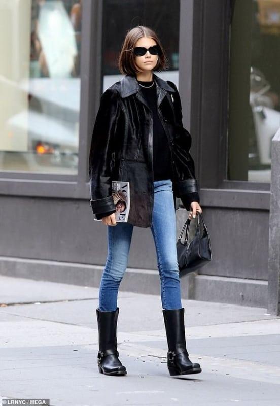 Jaqueta feminina preta suede com calça jeans