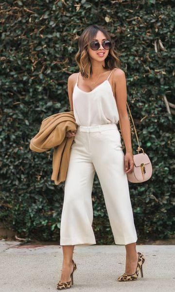 Look branco com estilo clássico
