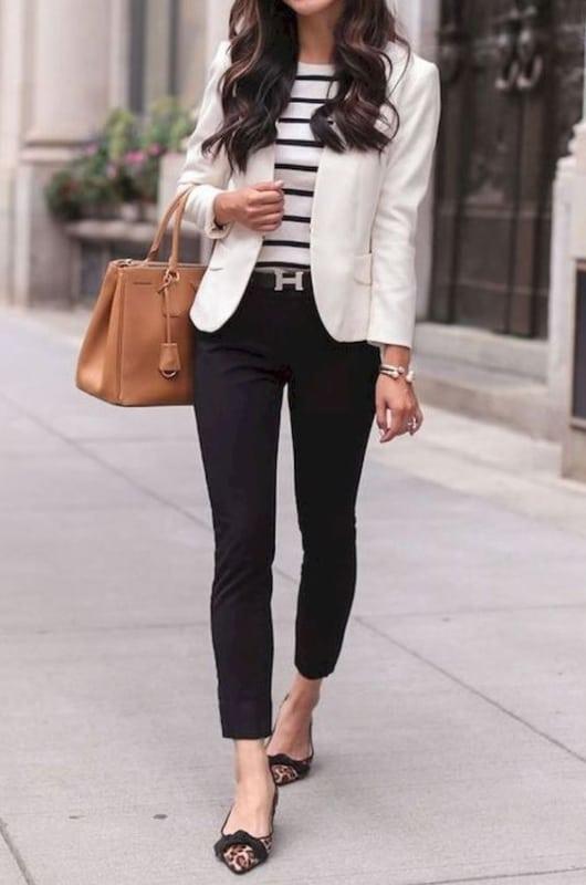 Look clássico com blazer branco
