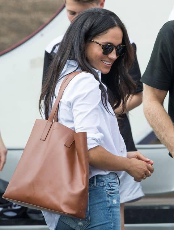 Meghan Markle com Modelos de bolsas