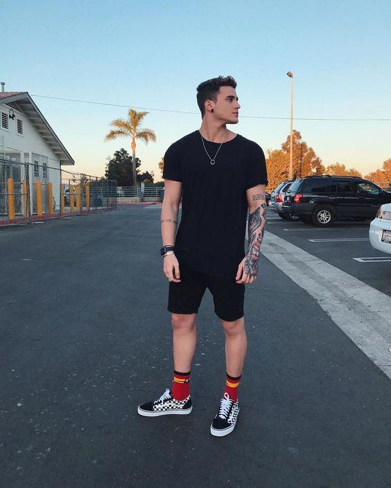 Meia alta masculina colorida
