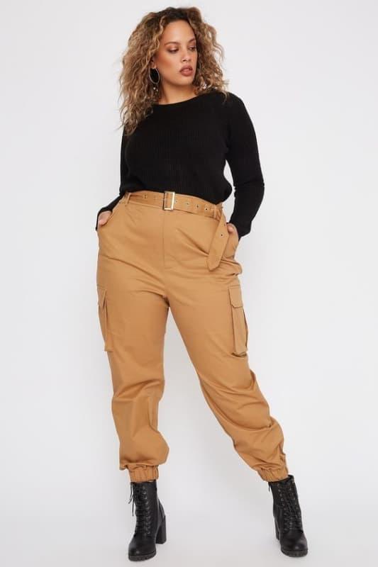Plus size com calça cargo