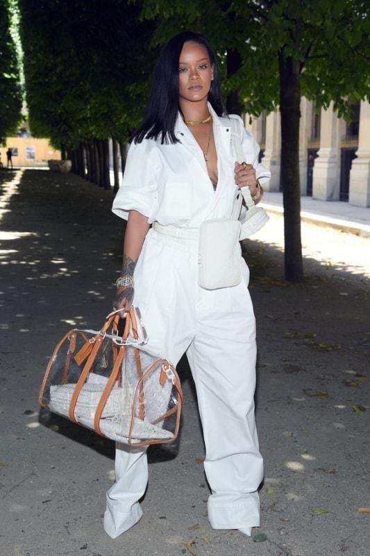 Rihanna com Modelos de bolsas transparente grande