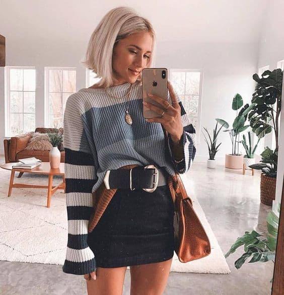 Saia e suéter com listras