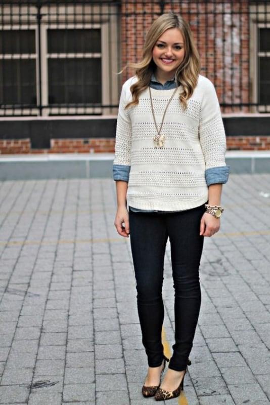 Sobreposição com suéter branco de tricô