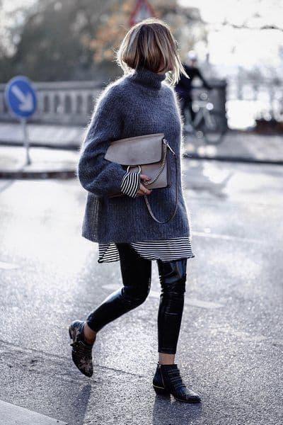 Sobreposição com suéter de gola alta e camisa