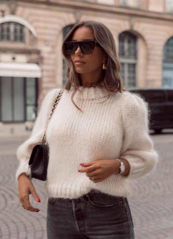 Suéter com pelinhos branco